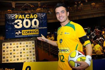 Brazílie porazila Uruguay, Falcao dal 300. gól!