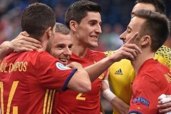Do sobotního finále ME Rusko a Španělsko